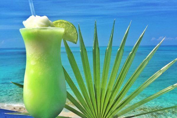 best beach cocktail bahamas